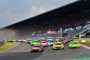 ル・マン/WEC | ニュルブルクリンク24時間:スタートから12時間経過。王者マンタイの911号車ポルシェがリード