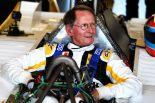元F1ドライバーのジャン=ピエール・ジャブイーユ 1979年のルノー RS10をドライブ