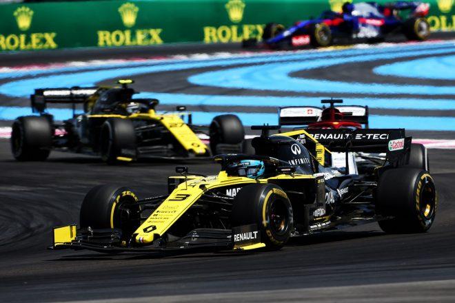 2019年F1第8戦フランスGP レース終盤激しいバトルを繰り広げたダニエル・リカルド(ルノー)
