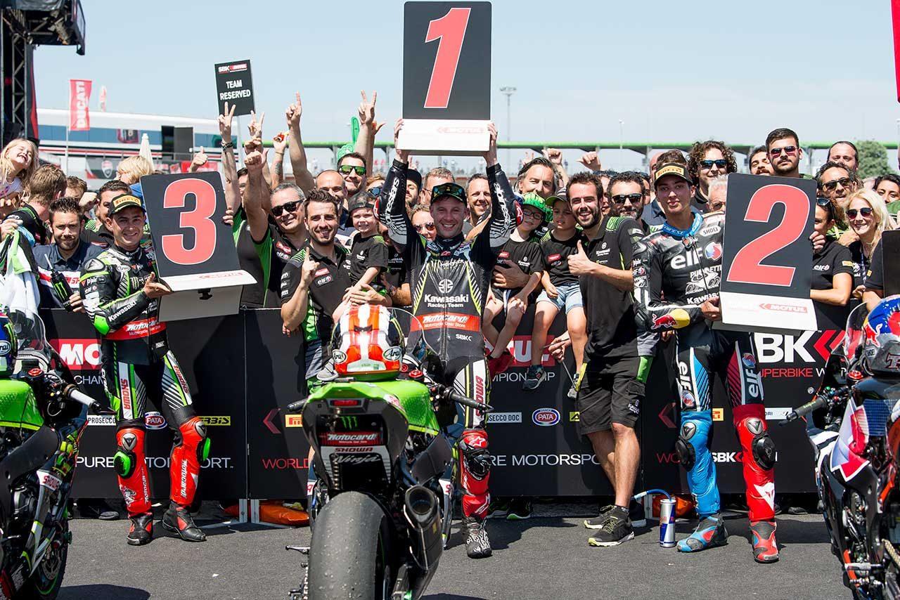 SBK第7戦イタリアのレース2でカワサキが表彰台を独占。レイはダブルウインで今季4勝目を挙げる