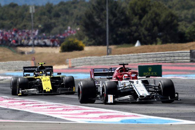 2019年F1第8戦フランスGP キミ・ライコネン(アルファロメオ)とニコ・ヒュルケンベルグ(ルノー)がバトル
