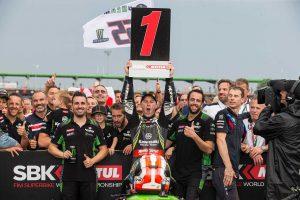 MotoGP | 波乱含みのSBK第7戦でダブルウイン達成のレイ、レース2でのカワサキ表彰台独占に「チームスズカだ!」