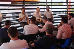 F1 | 【ブログ】好調マクラーレンの会見は大盛況。一方のガスリーは重苦しい雰囲気……/F1第8戦フランスGP現地情報2