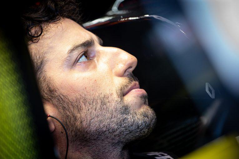 F1 | フランスGPでペナルティ受けたリカルド「レースでバトルがないと、ファンの皆に申し訳ない気持ちになる」