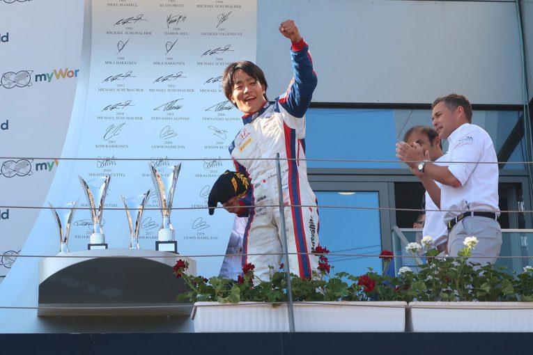 海外レース他 | 自身初のレース1優勝を飾った松下信治「先行するライバルたちをほぼ一発で仕留められた」/FIA-F2オーストリア レース後コメント
