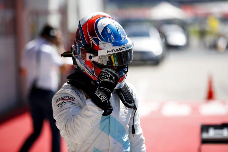 海外レース他 | FIA-F3第3戦オーストリア レース2:ヒューズが漁夫の利で優勝。角田、名取は挽回も報われず