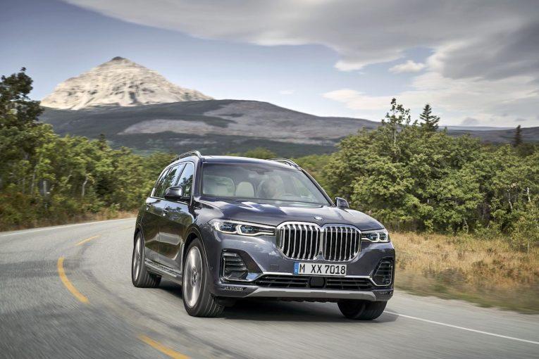 クルマ | 新型『BMW X7』誕生。4輪エアサス採用、最大7人乗りの最上級ラグジュアリーSAV