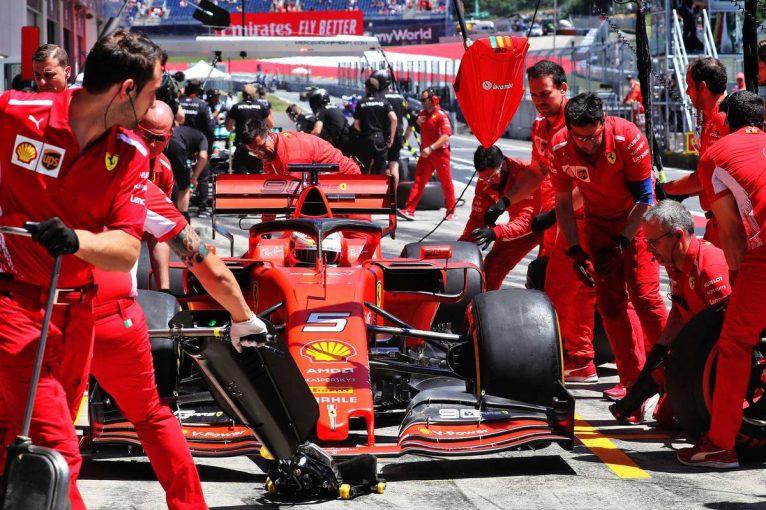 F1   フェラーリF1「タイヤの仕様変更が実現せず、競争の場を公平にするチャンスが失われた」と困惑