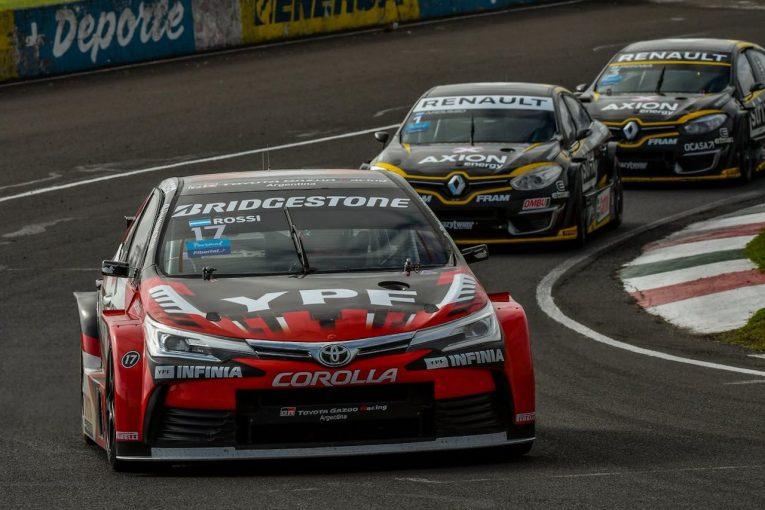 海外レース他 | STC2000第5戦:最終ラップの大逆転劇。トヨタ・カローラのロッシが今季2勝目