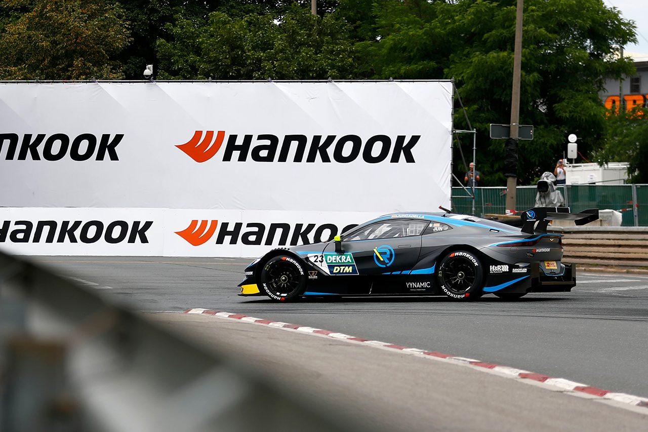 DTM第4戦ノリスリンク:痛恨のエンジンストールも運を味方にラストがレース1を制す