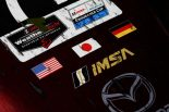 マツダRT24-Pのフロントノーズ上に並ぶ米日独3カ国の国旗