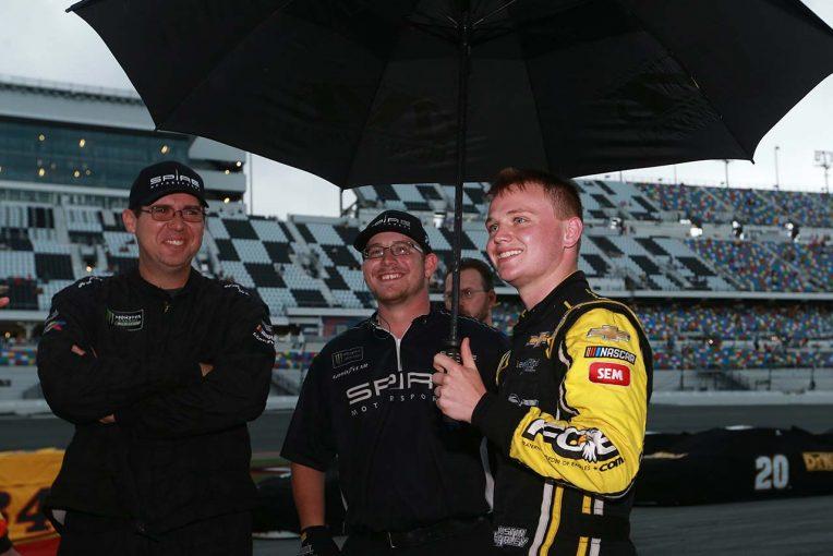 海外レース他 | NASCAR第18戦:雨で短縮終了のデイトナ、20歳の若手が3戦目で初優勝