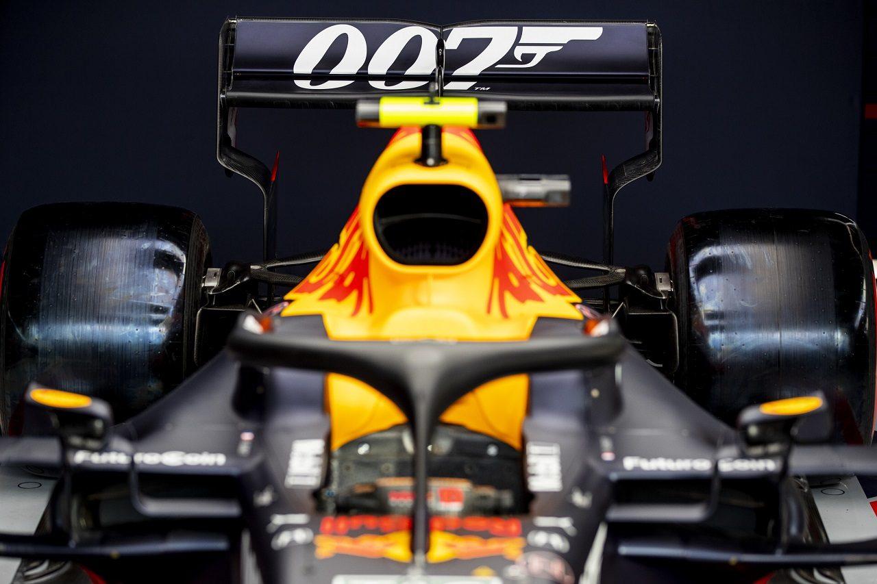 2019年FF1第10戦イギリスGP 「007」のスペシャルカラーリングが施されたレッドブルRB15