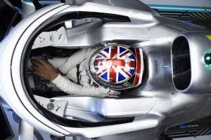 F1 | ハミルトン「今のところボッタスの方が好調。新舗装と風で苦労した」:メルセデス F1イギリスGP金曜