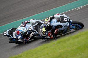 MotoGP | 耐久仕様のYZF-R1をテストする中須賀克行と野左根航汰