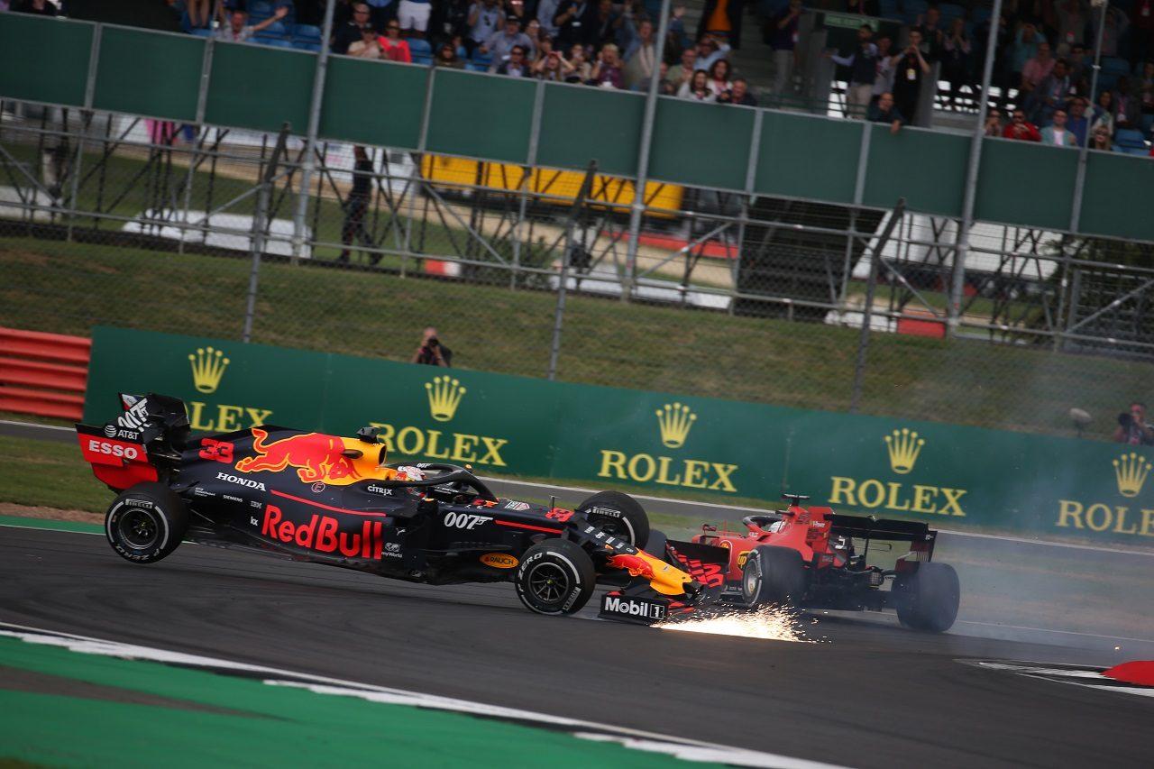 2019年F1第10戦イギリスGP決勝 マックス・フェルスタッペン(レッドブル・ホンダ)とセバスチャン・ベッテル(フェラーリ)が接触