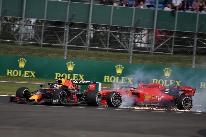 2019年F1第10戦イギリスGP決勝 フェラーリのセバスチャン・ベッテルがレッドブル・ホンダのマックス・フェルスタッペンに追突