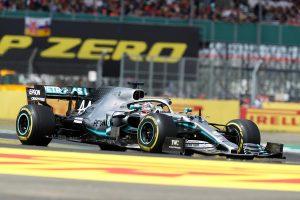 F1 | ピレリ、ハミルトンのファステストラップに驚き。「既に32周を走行したタイヤでの更新は最も注目すべきパフォーマンス」