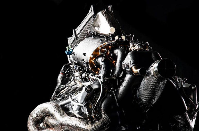 F1   ホンダF1、浅木泰昭PU開発責任者 「投入は条件次第」スペック4/鈴鹿スペシャル準備中を明言