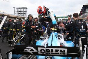 F1   「クビサに不満はない」ウイリアムズF1ボス、シーズン中のドライバー変更の噂を否定。2台は同一との主張も