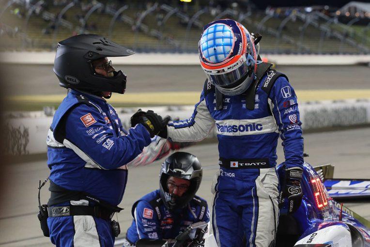 海外レース他 | 4時間遅れのレースで奮闘した佐藤琢磨。不運の追突に「最後の展開が楽しみだったのに残念」