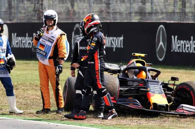 F1   クラッシュのガスリー、マシンを大破しチームに謝罪「クルマの感触はよかった。予選で挽回したい」レッドブル・ホンダF1