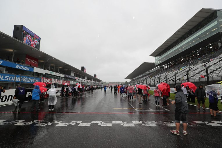 MotoGP | 鈴鹿8耐:トップ10トライアル中止。予選は10チーム同時出走の計時予選に