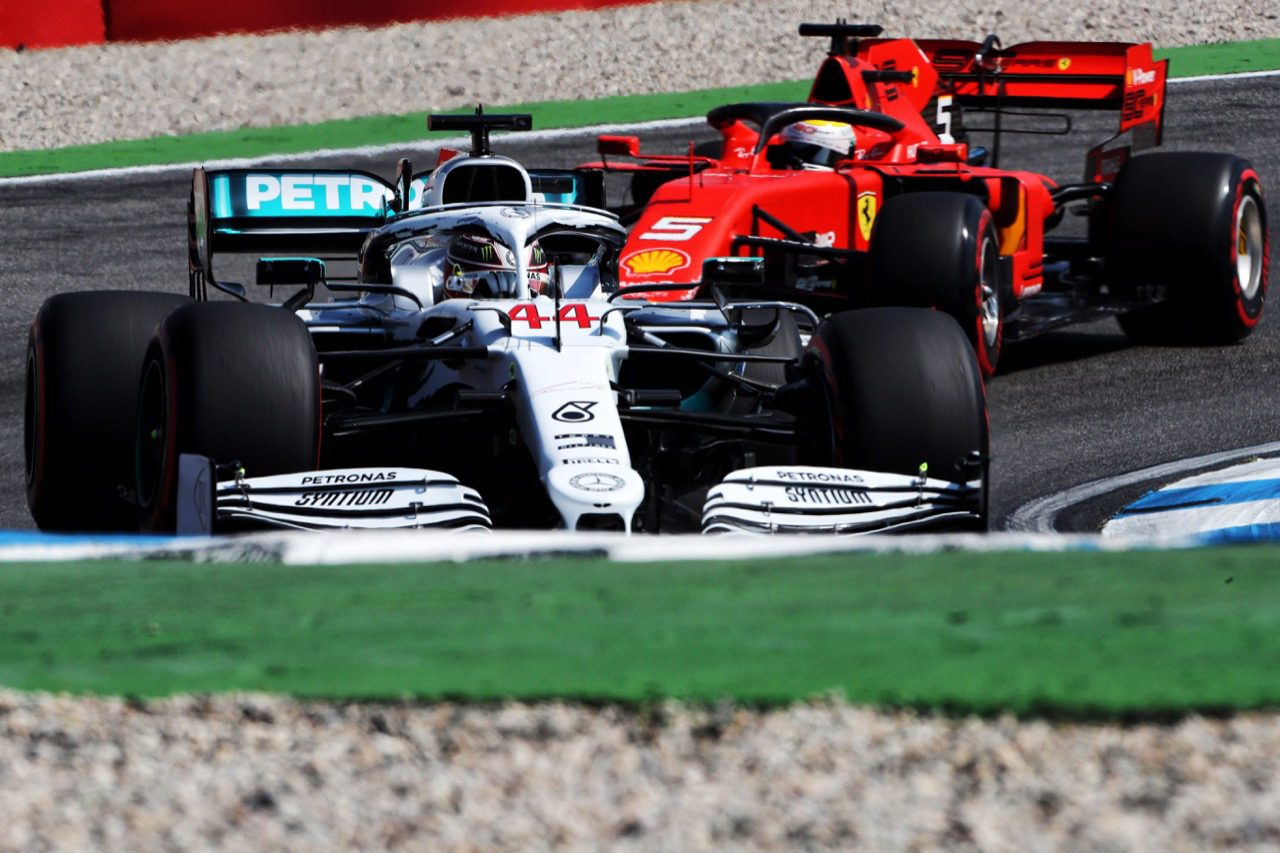 【SNSピックアップ】F1ドイツGP土曜:メルセデスが特別カラー披露。フェルスタッペンのコース紹介も