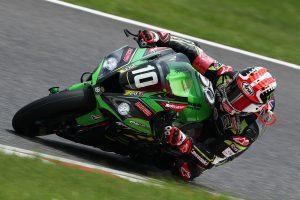 MotoGP | 鈴鹿8耐:折り返しでカワサキワークスがトップを奪取。レッドブル・ホンダは3番手に後退