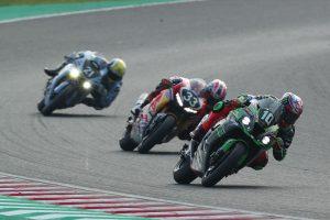 MotoGP | 鈴鹿8耐:5時間経過でカワサキ、ホンダ、ヤマハのワークスチームが接近。差はごくわずか