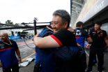 2019年F1第11戦ドイツGP トロロッソの3位表彰台を祝福するホンダ山本雅史F1マネージングディレクター