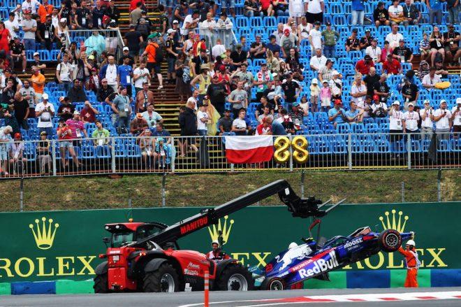 2019年F1第12戦ハンガリーGP FP2でクラッシュを喫したアレクサンダー・アルボン(トロロッソ・ホンダ)