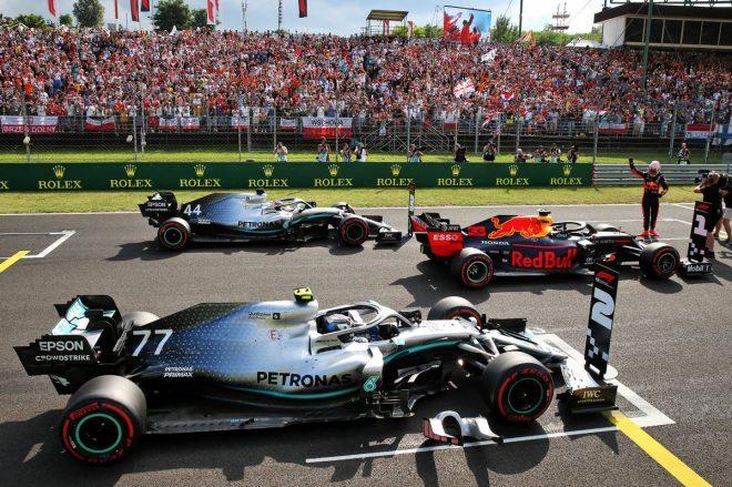 2019年F1第12戦ハンガリーGP予選でメルセデスを下しポールポジションを獲得したマックス・フェルスタッペン