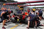 F1 | F1 Topic:ホンダPU勢4台に搭載するエクソンモービルの新燃料が鈴鹿へ搬送。馬力向上によるノッキングを防止
