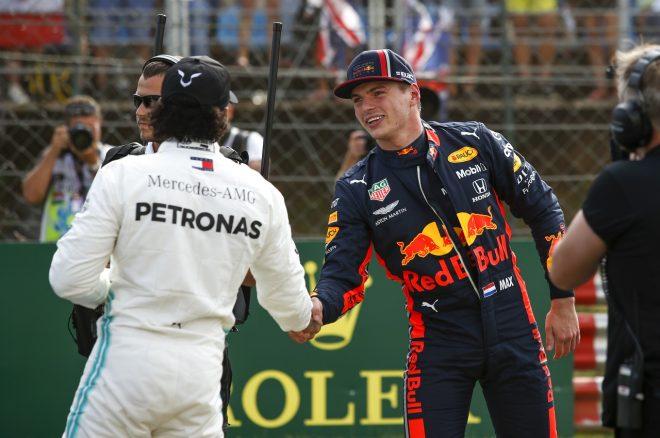 2019年F1第12戦ハンガリーGP土曜 ポールポジションのマックス・フェルスタッペン(レッドブル・ホンダ)と3番手のルイス・ハミルトン(メルセデス)