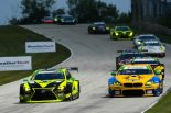 14号車レクサスRC F GT3と96号車BMW M6 GT3