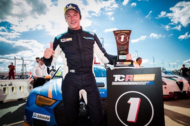 海外レース他 | TCRオーストラリア第4戦:ゲスト参戦のベルネイがポール・トゥ・ウインも、翌日体調不良でダウン
