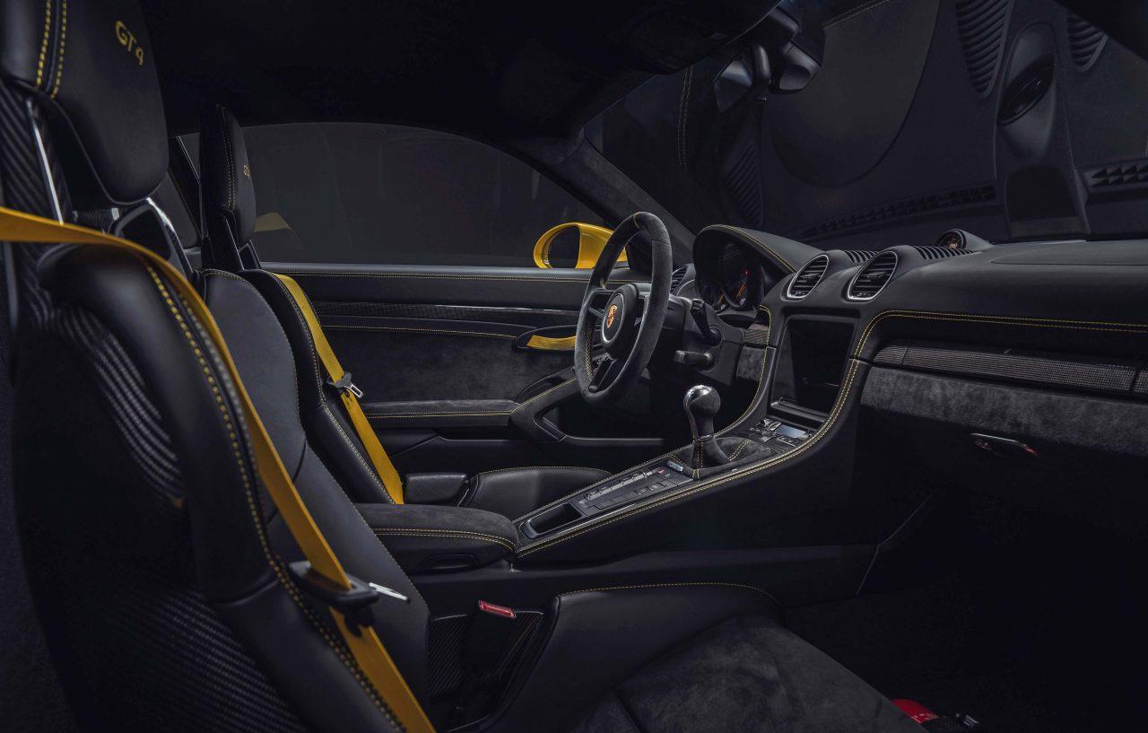 【動画】水平対向6気筒NAを再搭載した新型718ケイマンGT4、その実力はポルシェ911 GT3に迫る!?/全開サーキット試乗