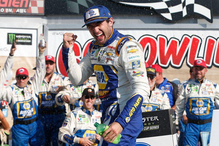 海外レース他 | NASCAR第22戦:シボレーのエリオットがワトキンス・グレン制圧。トヨタは2~4位占める