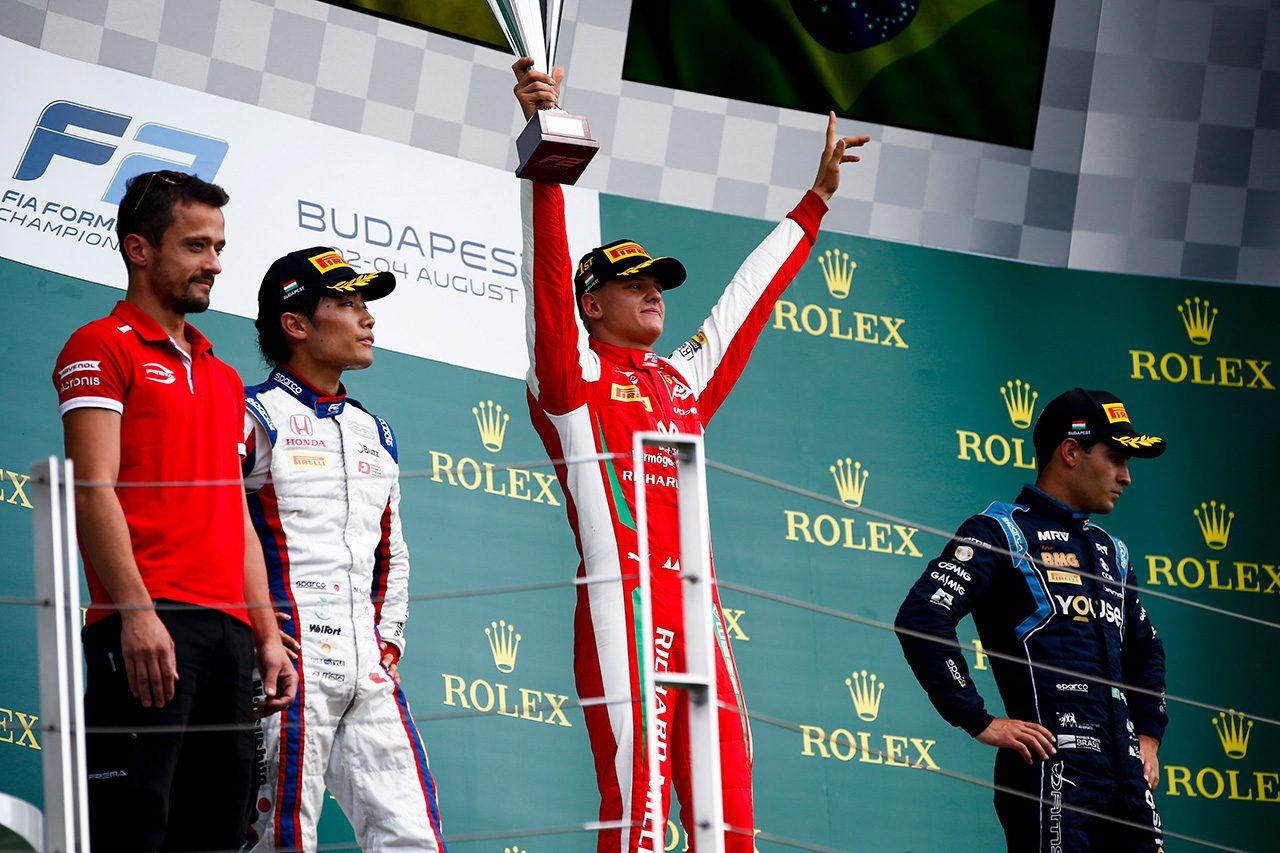 FIA-F2第8戦ハンガリー レース2 表彰台