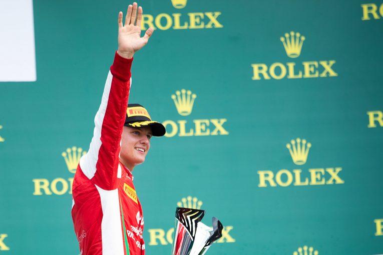 F1 | ロス・ブラウン、ミック・シューマッハーのF2初優勝に「腕をつき上げる仕草はミハエルを思い出させた」と明かす