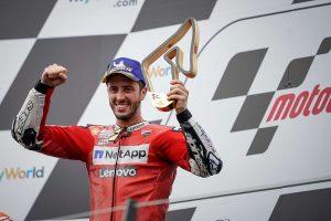 MotoGP | MotoGPオーストリアGP:ドヴィツィオーゾ「右側に残っていたグリップ」で決めた最後のオーバーテイク