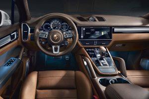 クルマ | ポルシェ、『カイエン』に新型PHEVモデル投入。V8エンジン+モーターで680PS発揮