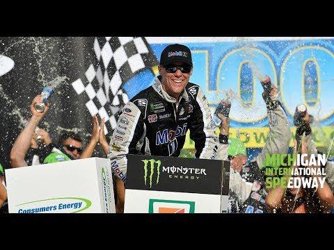 NASCAR第23戦:序盤のパンクチャーで後退したフォードのハービックが逆転優勝。キャリア通算47勝目