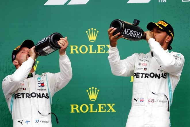 2019年F1イギリスGP ルイス・ハミルトンとバルテリ・ボッタス(メルセデス)が1‐2を達成