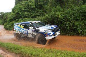 ラリー/WRC | 川畑真人がドライブする125号車トヨタ・ランドクルーザー150プラド