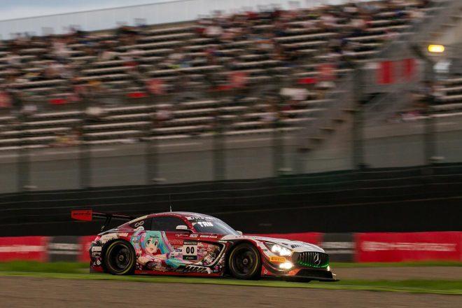 メルセデスAMG・チーム・グッドスマイルの00号車は、3スティント目以降ペースに苦しみ、10位でレースを終えた。