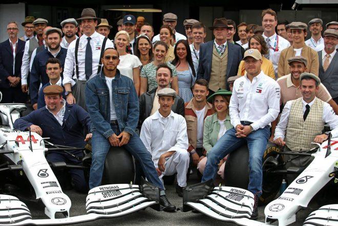 2019年F1第11戦ドイツGP メルセデスF1チームの集合写真
