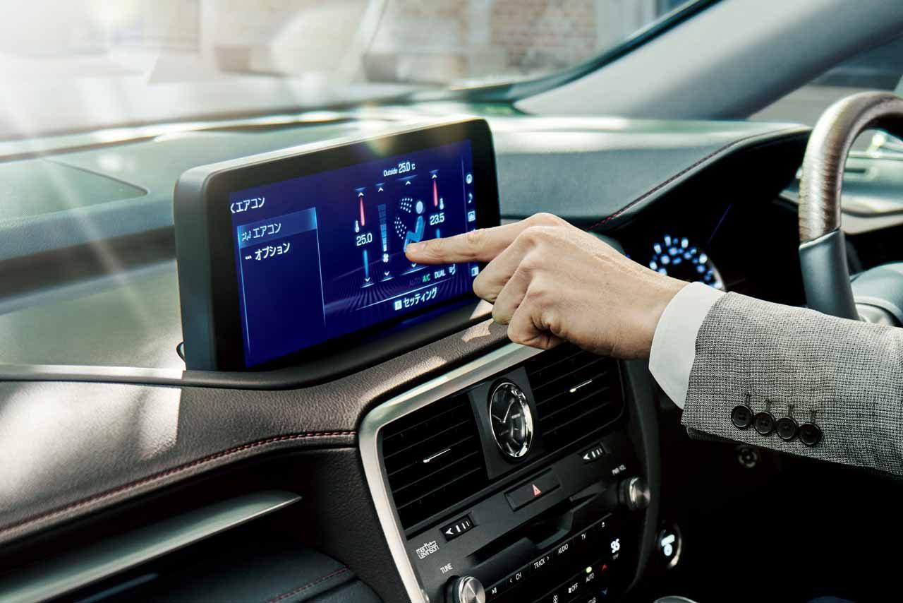 レクサス『RX』をマイナーチェンジ。優れた操縦安定性と上質なインテリアを実現