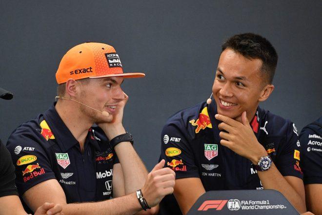2019年F1第13戦ベルギーGP 木曜記者会見でのマックス・フェルスタッペンとアレクサンダー・アルボン(レッドブル・ホンダ)